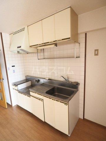 メゾンド徳川苑 702号室のキッチン