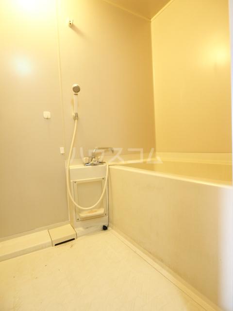 メゾンド徳川苑 702号室の風呂