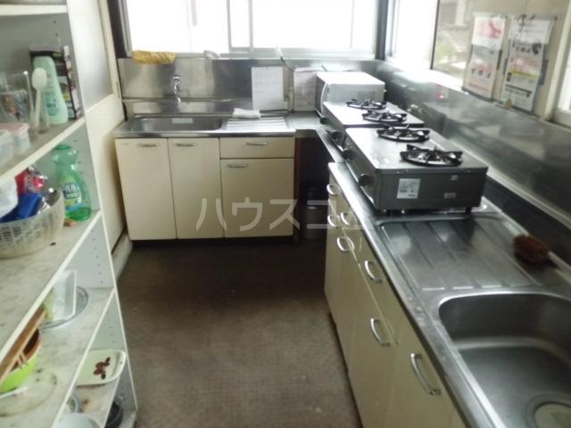 第一みどり荘 210号室のキッチン