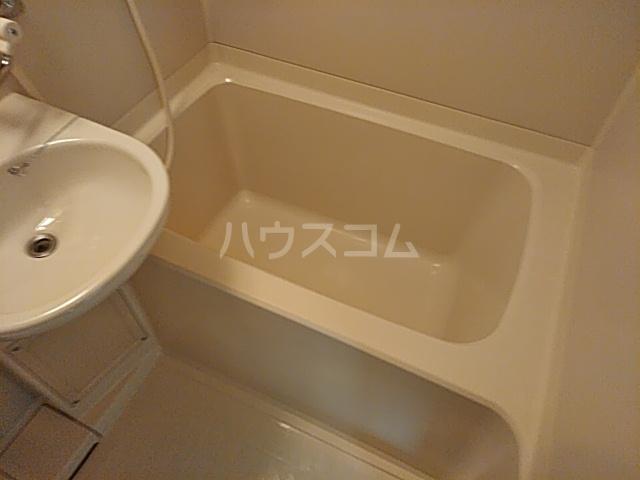 トーコービル 401号室の風呂
