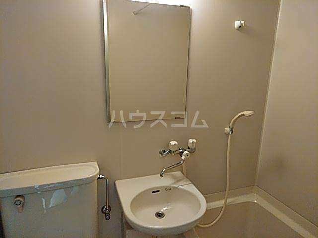 トーコービル 401号室の洗面所