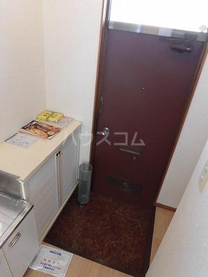 ハイムササキ 102号室の玄関