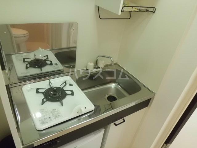 ソレイユ東向島 301号室のキッチン