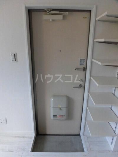 サイドパーク白糸台 104号室の玄関