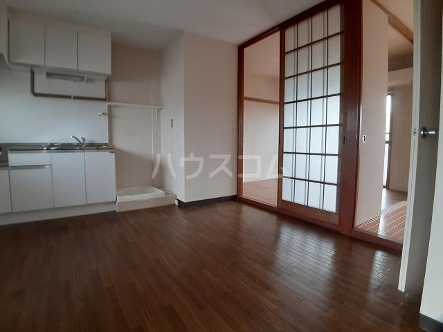 石川コーポ 203号室のリビング