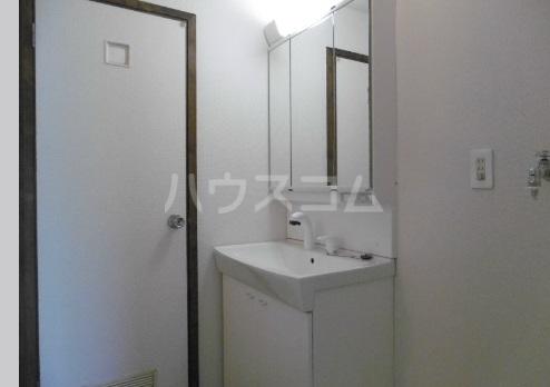 エタニティーⅡ 301号室の洗面所