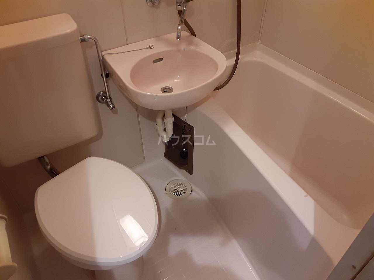 プラリネットハイツ 102号室の風呂
