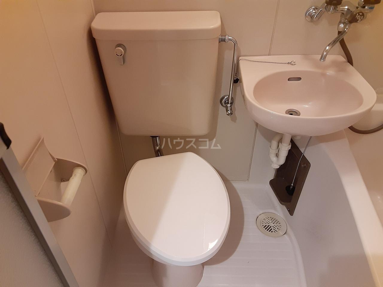 プラリネットハイツ 102号室のトイレ