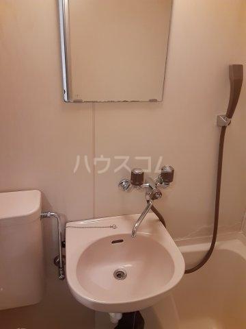 プラリネットハイツ 102号室の洗面所