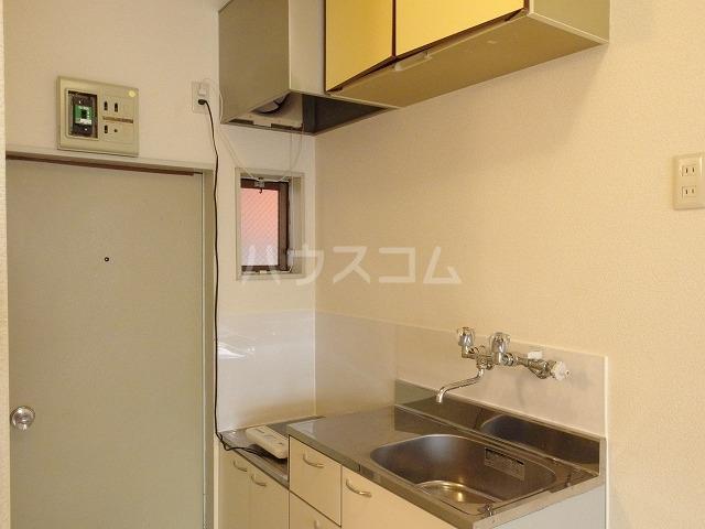 プラリネットハイツ 103号室のキッチン