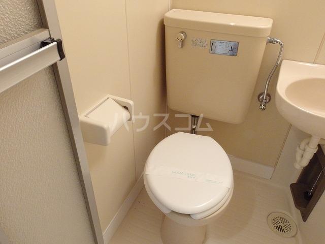 プラリネットハイツ 103号室のトイレ