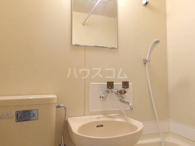 プラリネットハイツ 103号室の洗面所