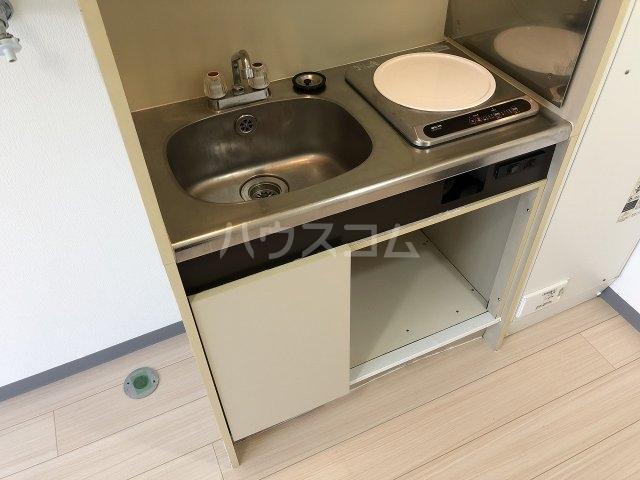 スタジオハゴロモ 302号室のキッチン