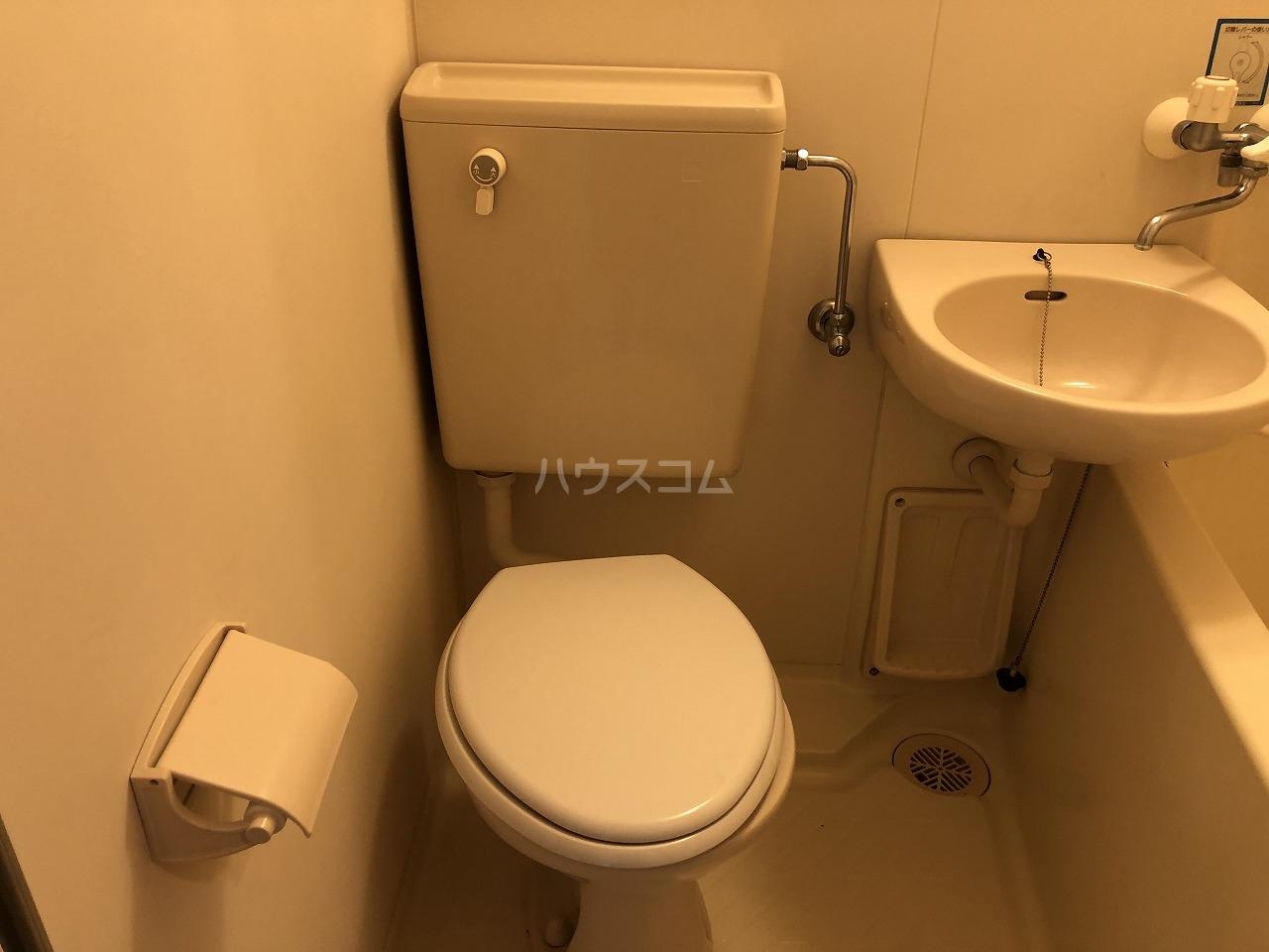 スタジオハゴロモ 302号室のトイレ