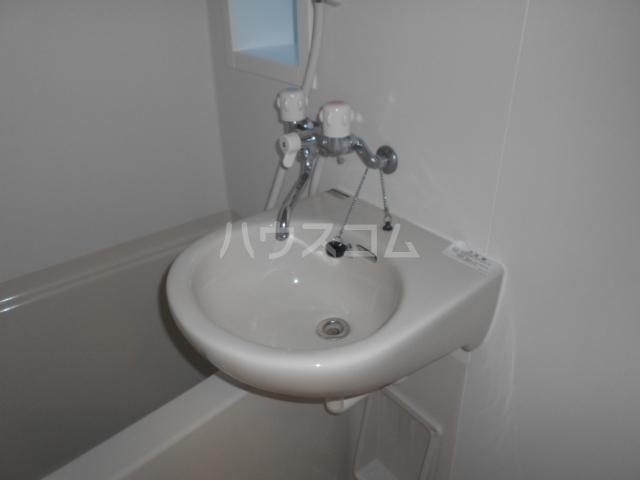 ヴューテラス戸塚 203号室 203号室のトイレ