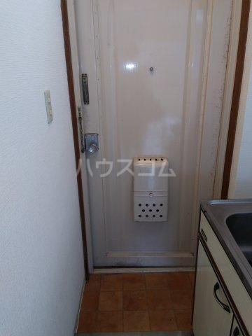 メゾン・ド・タンブール 0208号室の玄関
