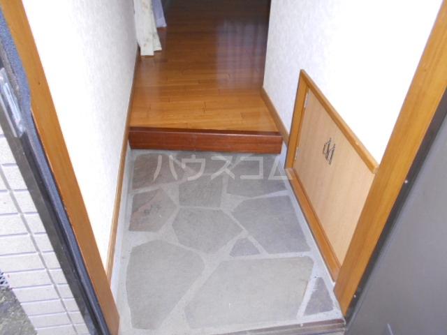鈴木貸家の玄関