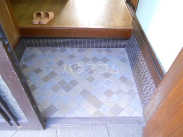 老川貸家の玄関