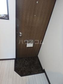 ハイツアイリス 201号室の玄関