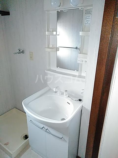 朋友レジデンス 303号室の洗面所