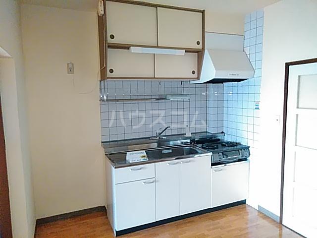朋友レジデンス 303号室のキッチン