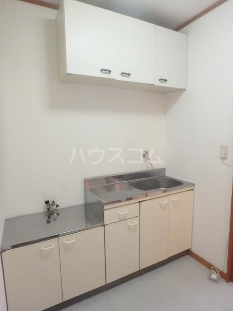 ハイツ下小出 205号室のキッチン