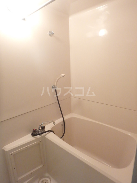 ハイツ下小出 205号室の風呂