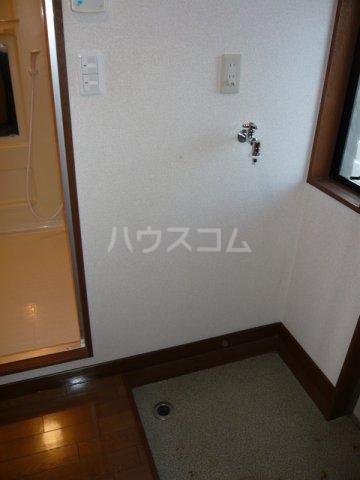 ルースレジデンツァ 203号室の玄関