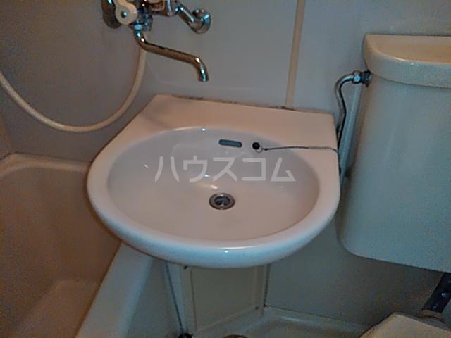 アーバニーハイム磯部 204号室の洗面所