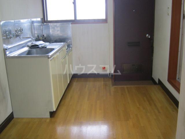 パーソナルハイツ 205号室のリビング