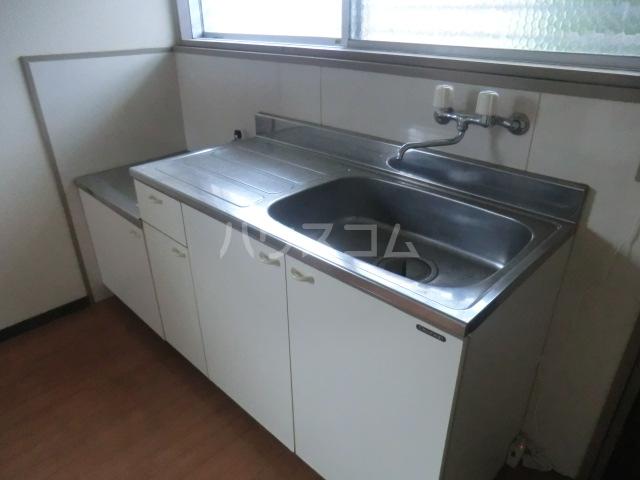 コーポ青山 1-3号室のキッチン