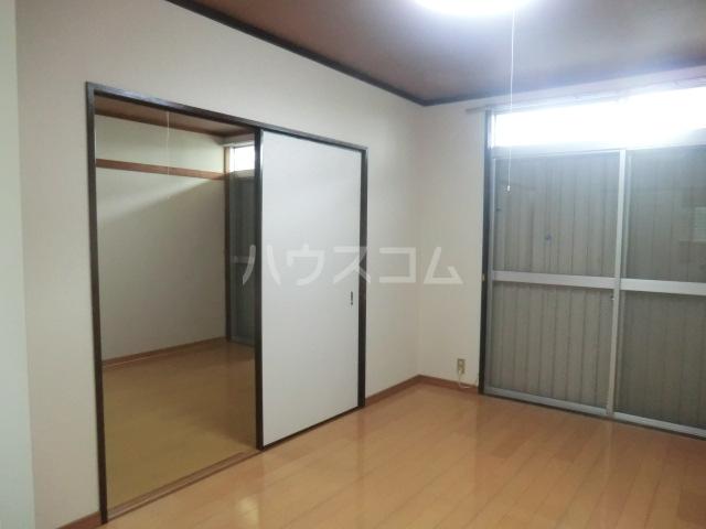 コーポ青山 1-3号室の居室