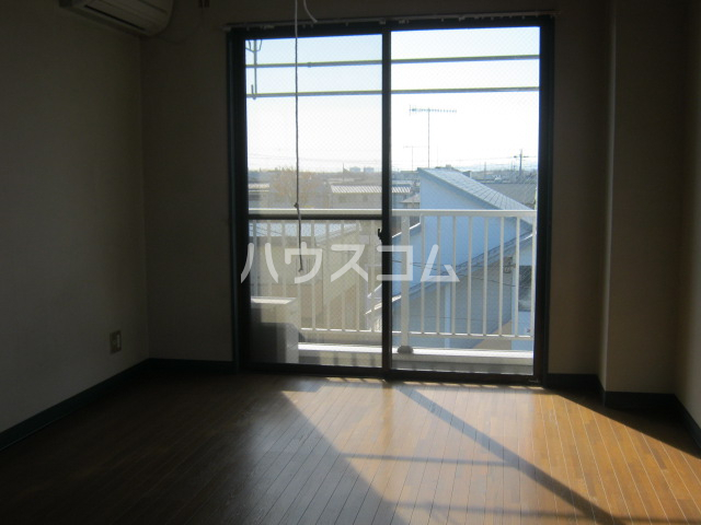 メゾン・ラ・リヴェール 307号室のバルコニー