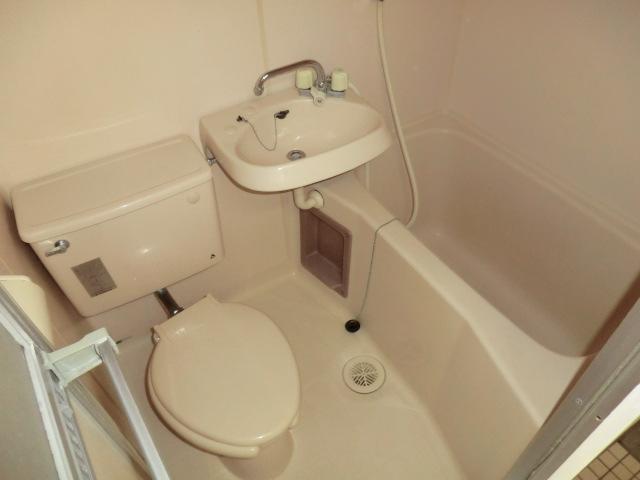 メゾン静 403号室の風呂