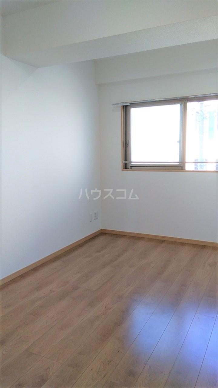 APLⅡ 303号室のベッドルーム