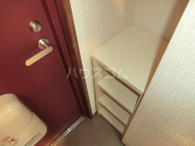 三沢ハイツ 305号室の玄関