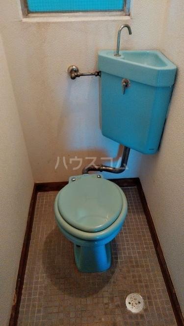 総和ハイツ6 502号室のトイレ