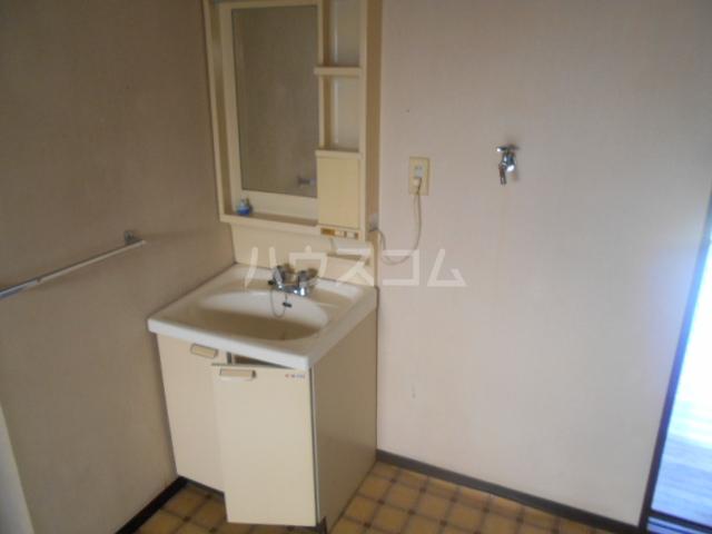 石川ハイツB 103号室の洗面所