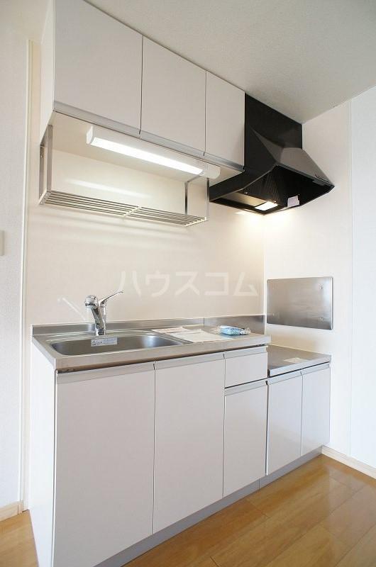 リヴィエールY 02020号室のキッチン