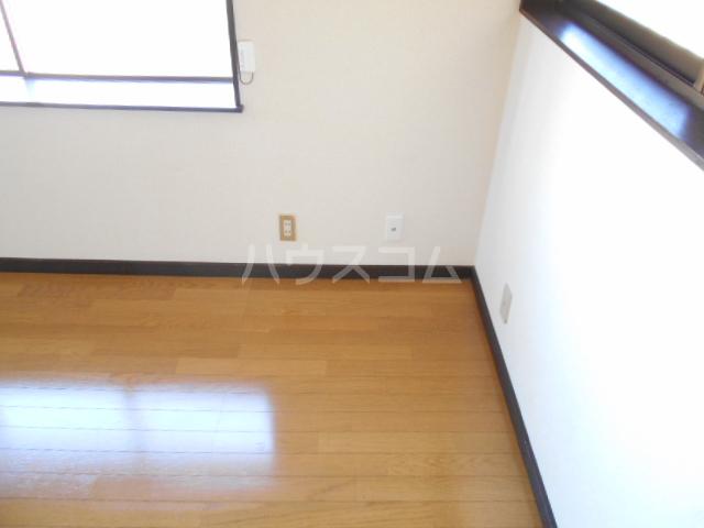 メゾンヤシマ 201号室の居室