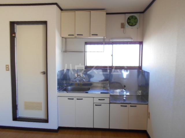 メゾンヤシマ 201号室のキッチン