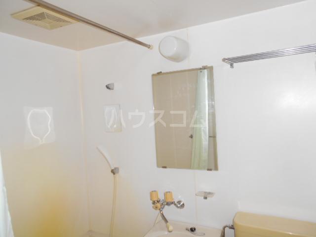 メゾンヤシマ 201号室の風呂