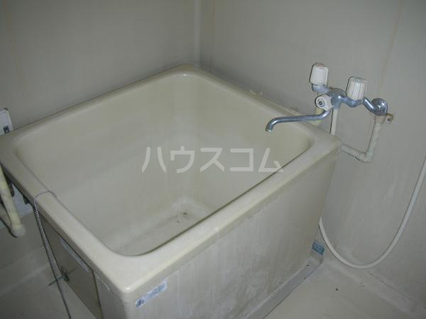 マコトハイツ 102号室の風呂