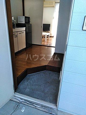 アルザス三番館 210号室の玄関