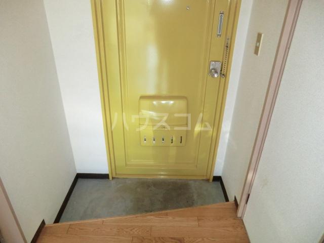 コーポ清水 101号室の玄関