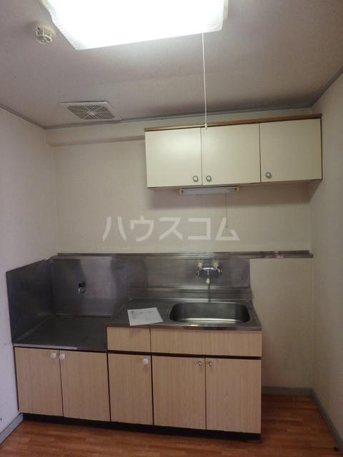 朔ハイツ 305号室のキッチン