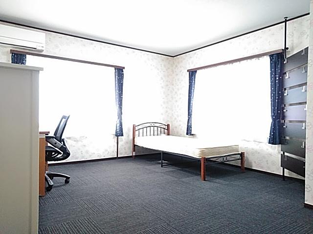 シェアハウスパンプキン A号室のリビング