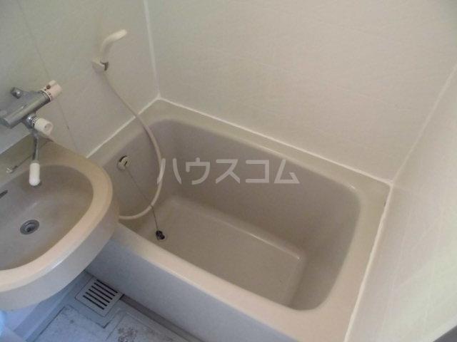 コスモ前橋昭和町 211号室の風呂