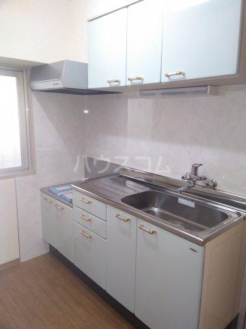 星川ハイツ 202号室のキッチン