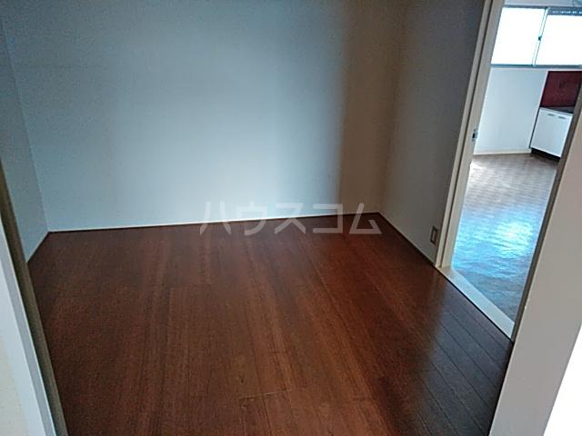 メゾン大原 202号室の居室